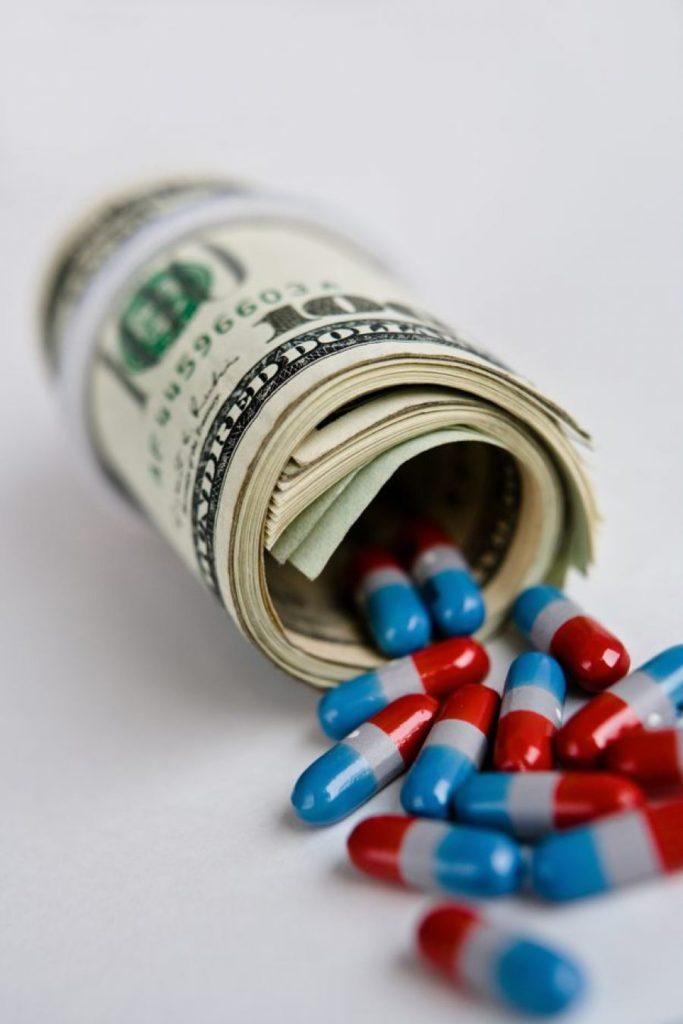 Las vacunas contra el Covid-19: los gobiernos, una vez más, a los pies de las multinacionales farmacéuticas